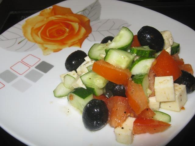 греческий салат с грудкой рецепт